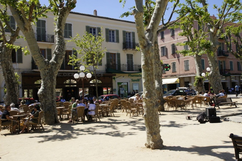 Marktplatz in Ile Rousse