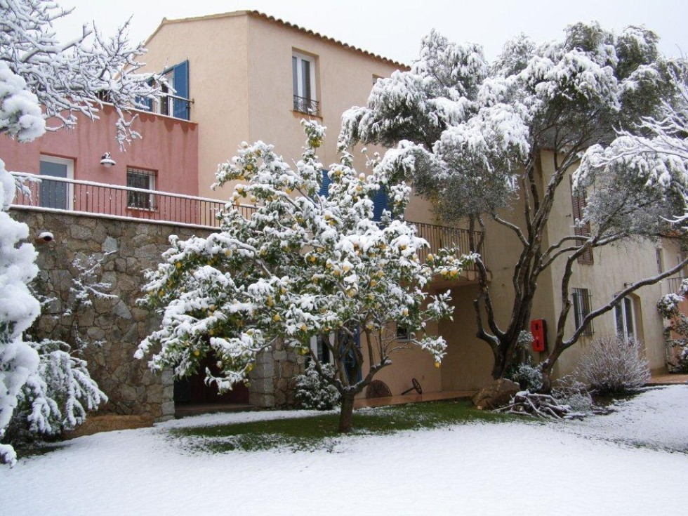 verschneites Korsika