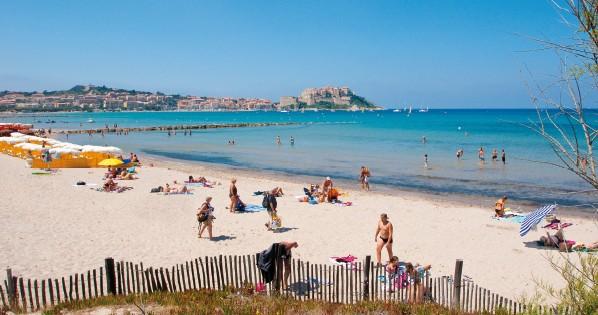 Strand Calvi