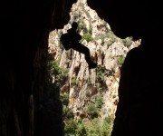 Klettern in Tafoni oder Höhlen
