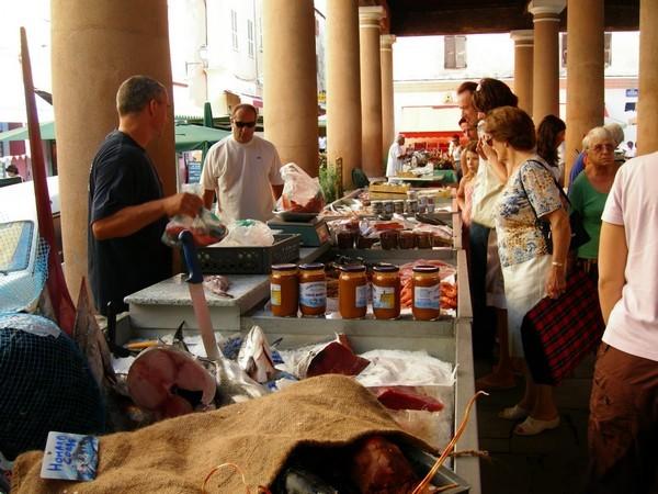 Markt in Ile Rousse