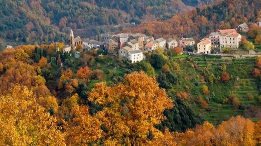 Castagniccia im Herbst